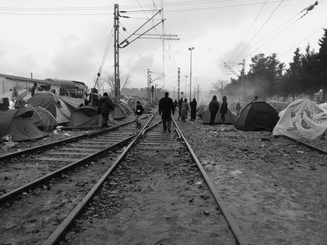 vias_tren_refugiados_idomeni